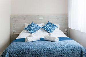 Villa-Andalucia-blue-room-3