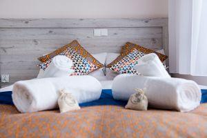 Villa-Andalucia-yellow-room-3