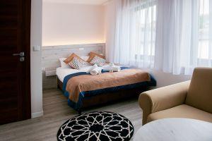 Villa-Andalucia-yellow-room-4